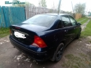 Ford Focus седан 2004 года.